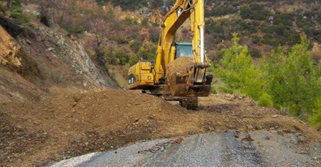 Heyelandan kapanan Cilbayır yolu açıldı