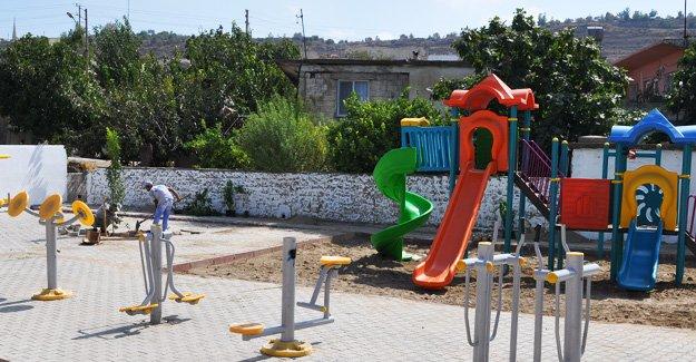 Silifke Belediyesi eski parkları yeniliyor