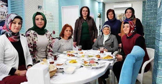 AK Partili kadınlar kahvaltıda buluştu