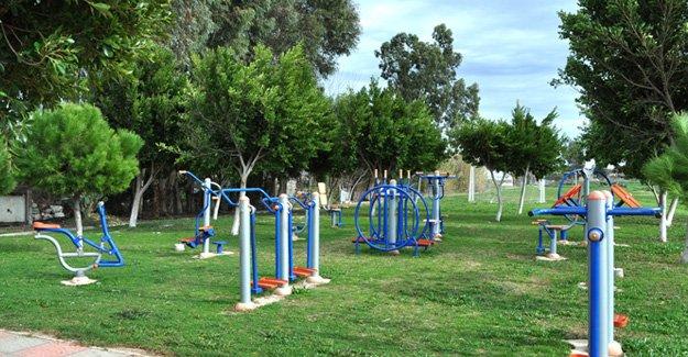 Atayurt'ta park ve bahçelere bakım