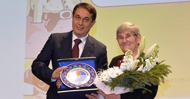 Prof. Dr. Canan Karatay Mersin'de