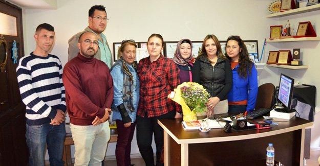 AK Partililerden Kadınlar Günü Kutlaması