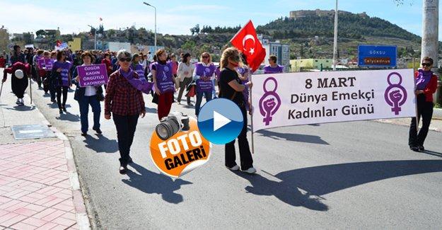 Kadınlardan anlamlı yürüyüş