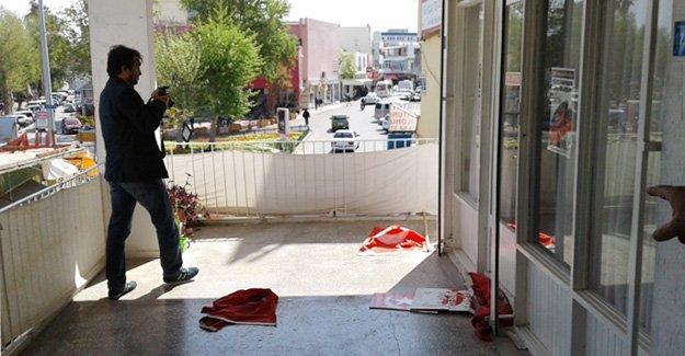 Vatan Partisi ve Türk Bayrağı'na saldırı