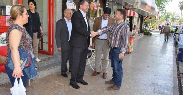 Başkan Turgut, Atatürk Caddesi esnafıyla buluştu