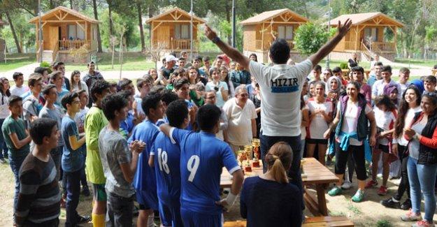 Özel Hızır Eğitim Kurumları öğrencileri Gençlik kampında buluştu