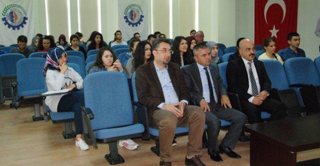 """Ticaret Odasında """"Muhasebenin Yeri ve Önemi"""" konulu konferans"""