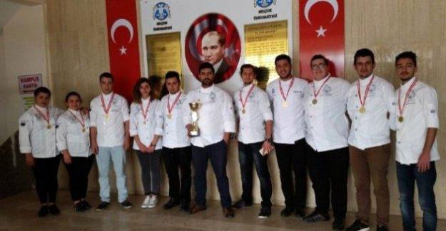 Yemek Yarışmasında Selçuk'a 8 Altın 2 Gümüş Madalya