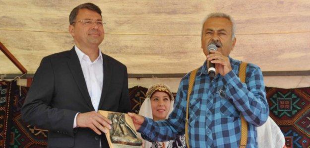 Başkan Turgut, Çakşır Balı ve Yörük Festivaline katıldı