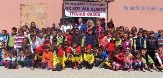 Köy Okullarına Tiyatro Projesi Başarıyla Sona Erdi
