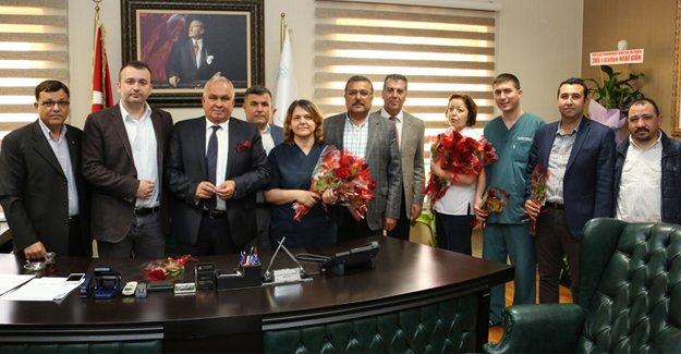 Başkan Tollu'dan sağlık çalışanlarına ziyaret
