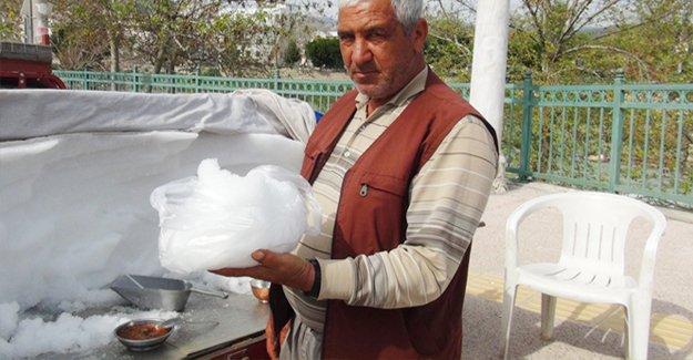Kar satarak para kazanıyor