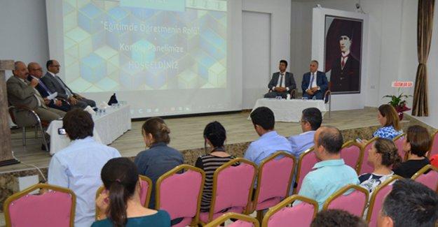 'Eğitimde Öğretmenin Rolü' konulu panel düzenlendi