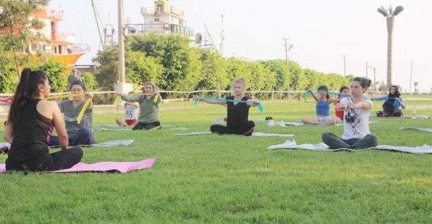 Kadınlar yaz boyunca sağlıklı yaşam için belediye kursunda buluşuyor