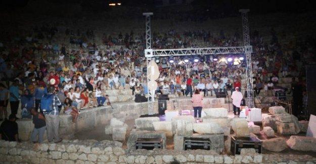 Ayaş Antik Tiyatro Festivali Başladı