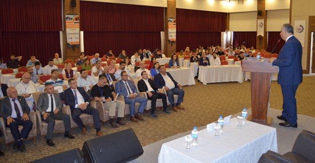 Kaymakam Cinbir'den 'Kamu Yönetiminde Etik Liderlik' semineri