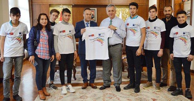 Erasmus+yolcusu öğrencilerden Kaymakam Cinbir'e ziyaret