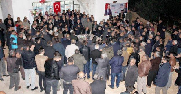 CHP HEYETİ NARLIKUYU'DA COŞKUYLA KARŞILANDI