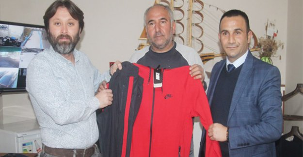 Genç işadamı Turur' den spora destek