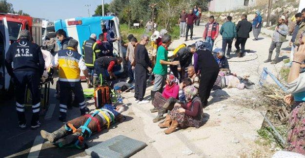 Silifke'de İşçi Otobüsü devrildi 6 ölü 18 yaralı