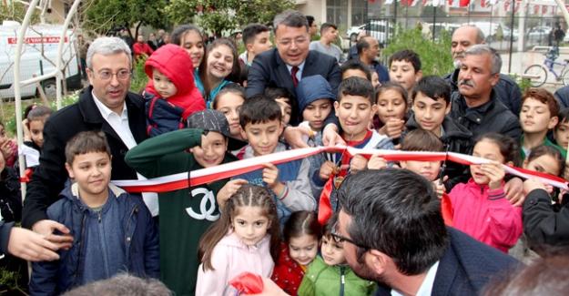 Adile Naşit Parkı törenle hizmete açıldı