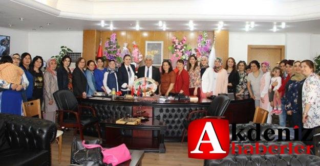 AK Kadınlardan Başkan Aktan'a hayırlı olsun ziyareti