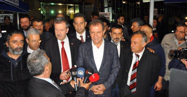 Mersin'de başkan CHP'li Seçer oldu