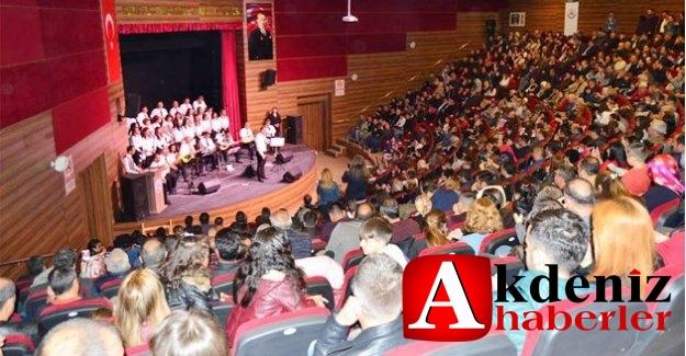 Öğretmenler Korosundan muhteşem konser