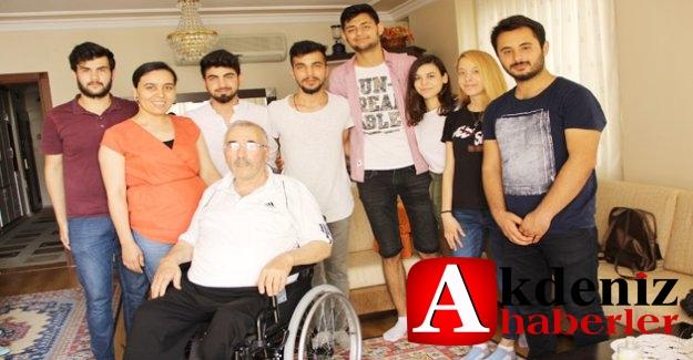 Öğrencilerden tekerlekli sandalye yardımı
