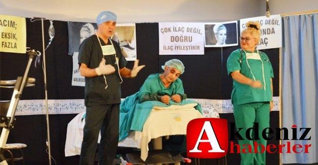 Silifke'de Hükümlü ve tutuklulara tiyatro etkinliği