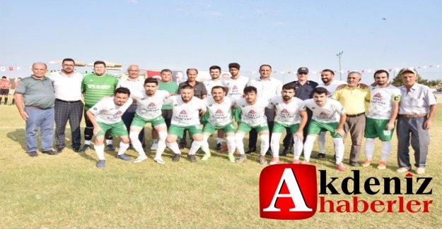 Köyler Arası Futbol Turnuvasında, Şampiyon Çavuşlu