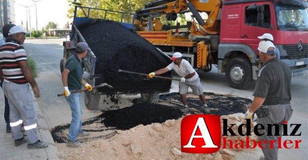 Silifke Belediyesi asfalt çalışmalarını sürdürüyor