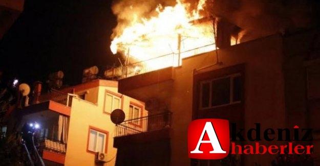 Eşine sinirlenip evi ateşe verdi, yaralı olarak kurtuldu