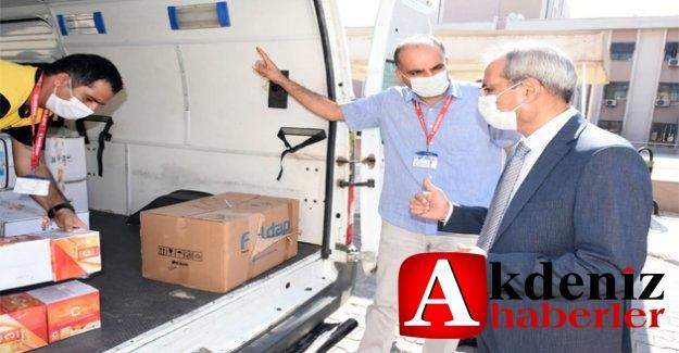 Başkan Bozdoğan'dan Sağlık Çalışanlarına 95 Maske, Siperlik Ve Vitamin Desteği