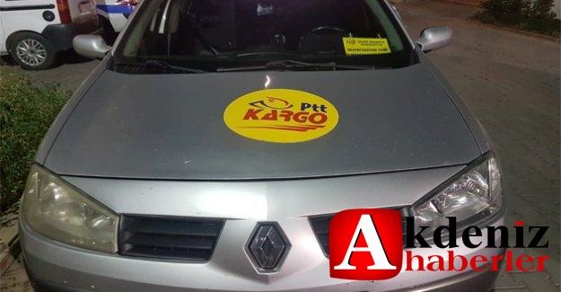 Kargo aracının logosunu kullanarak  kaçak alkol taşıdılar.