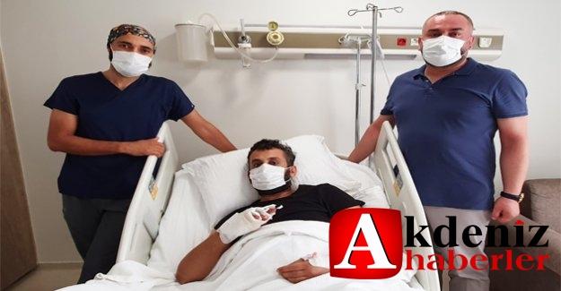 Parmakları Kopan İşçiye Op. Dr. Erbaş'tan Başarılı Operasyon