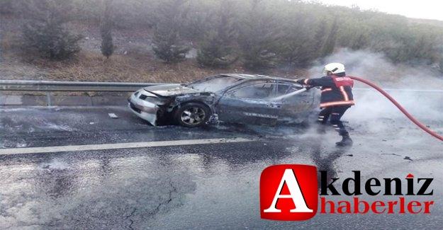 Tarsus'da Ticari Araç Yangını Meydana Geldi