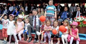 Silifke Belediyesinden çocuklara 23 Nisan...