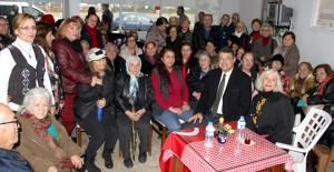 Başkan Turgut, Atakentte kadınlarla...