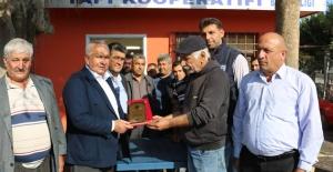BAŞKAN TOLLU'YA SANAYİ ESNAFINDAN PLAKET