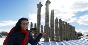 Akdeniz'in Efes'i Uzuncaburç beyaz'a büründü