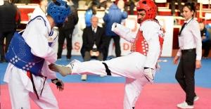 Taekwondo engel tanımadı