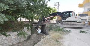 Silifke Belediyesi, Acece Deresini Temizliyor