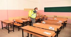 Toroslar'da Okullar, Yeni Eğitim Ve Öğretim Sezonu Öncesİ Dezenfekte Edildi