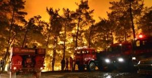 Mersin Aydıncık'ta dün çıkan orman yangını sürüyor