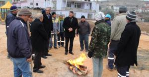 Turgut, sahada çalışan personellerini ziyaret etti