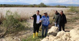 Turgut, taşkından zarar gören tarım arazilerini inceledi