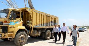 Silifke Belediyesi, Atakent sahilini aydınlatıyor