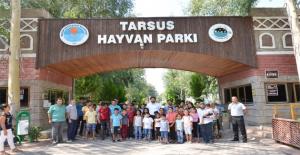 Ova Mahallelerde Yaşayan Çocuklar Hayvan Parkı'nda