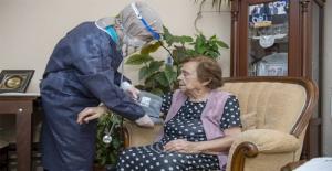 Büyükşehir, Evde Sağlık Ve Bakımla Dertlere Derman Oluyor